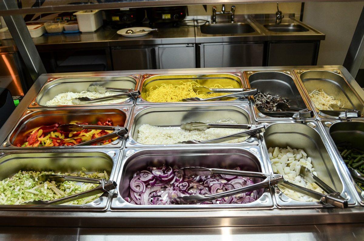 Gastro nádoby na pečenie a servírovanie.